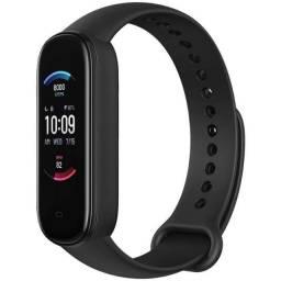 Smartwatch Amazfit Band 5 A2005 com Alexa e Oxímetro - Black