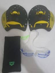 Óculos de natação Arena seminovo e palmares Speedo usados.