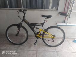 Vendo Bicicleta aro 26 usada poucas vezes