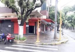 Loja de esquina na Rua Israel Pinheiro, Centro - Governador Valadares/MG!
