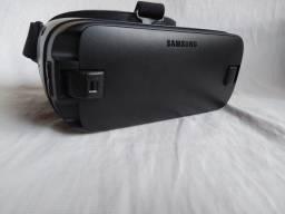 Óculos Samsung Gear VR na caixa usado.