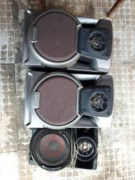 Três caixas de som por 40,00