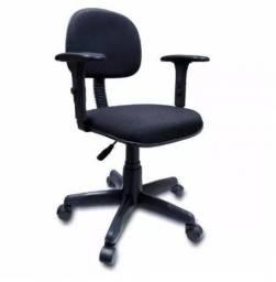 Cadeira secretaria giratória com braços