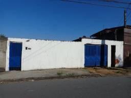 Casa 3 cômodos Pq. Esmeralda