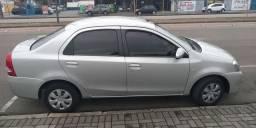 Toyota Etios 1.5 XS com GNV