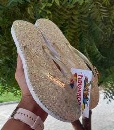 Sandálias femininas Havaianas e melissa