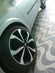 Vendo ou troco rodas e pneus novos