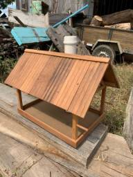 Casa de passarinho em madeira