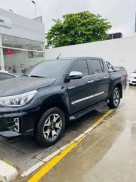 Título do anúncio: Toyota Hilux  CD SRXA4FD  Modelo 2020 - Preta.