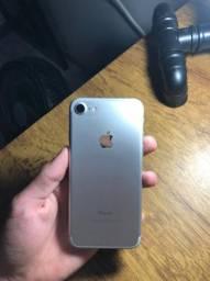 Vendo iPhone 7 Silver muito novo