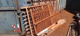 Vendo grades de ferro
