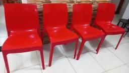 Título do anúncio: 4 cadeiras tramontina alice por 800 bem conservadas preço  negociavel