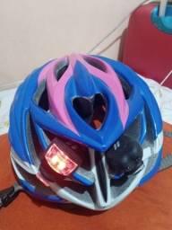 Capacete com luzes para bike novíssimo pouco usado