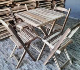 Título do anúncio: Conjunto de mesa e cadeiras dobráveis em madeira de lei
