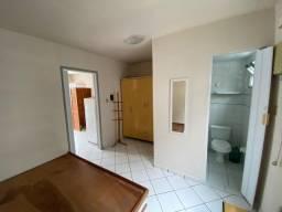Alugo flat de 1/4 mobiliado em condomínio Down Town, centro