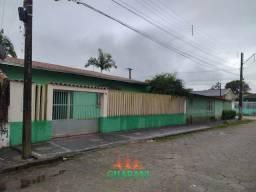 Casa com espaço de terreno Paranaguá