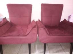 Dois sofás vinho de 350 reais cada