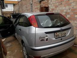 Vende-se um focus 2005 14.500 com som automotivo - 2005