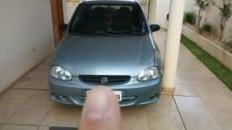 Carro bem conservado * - 2003