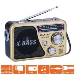 Radio Caixa Som X-Bass Fm / Am Multi-banda Com Usb Sb Leitor de Mp3 e Luz- Waxiba