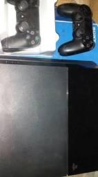 PlayStetion 4 dois controles 4 jogos semi novos também troca em TV smart