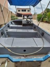 Barco de fibra, carretinha e motor de popa Suzuki 30 HP com partida elétrica - 2011