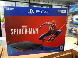 PlayStation 4 slim 1TB com jogo Spider-Man (loja física/lacrado)
