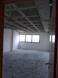 Sala no Hangar, 47 m2, Paralela Aeroporto