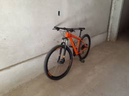 Vendo uma bike aro 29.