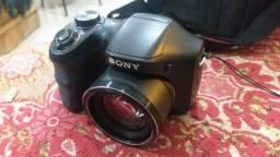Câmera Sony semi-profissional DSC-H100