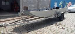 Vendo barco 5 metros , carretinha documentada e motor Jhonson 15