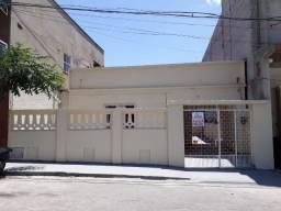 Casa 3 quartos no centro de Canindé para alugar