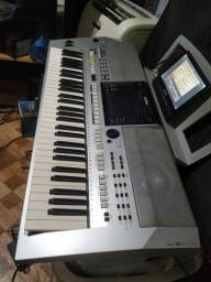Vende-se teclado Yamaha PSR S900 POR 1500$