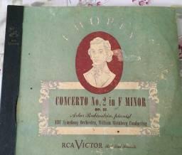 Concerto no. 2 in F Minor, op 21 - Chopin Artur Rubinstein, pianist