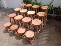 Banquinhos de madeira maciça!!! A Partir de R$35,00 cada