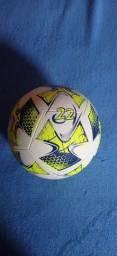 Vendo essa bola da Top de futsal original