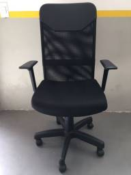 Título do anúncio: Cadeira Presidente Tela Mesh Preta Semi Nova