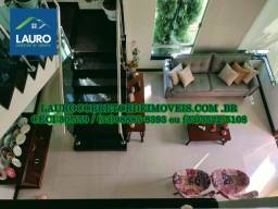 Vende-se casa de luxo no Residencial Laranjeiras com 3 quartos sendo 1 suíte.
