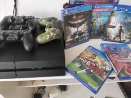Título do anúncio:  PS4 com 3 controles