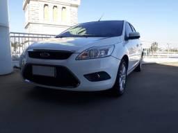 Ford Focus Sedan 2013 Bem Conservado.