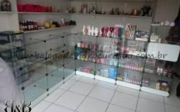 Vendo fundo de loja e prateleiras de vidro