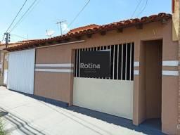 Título do anúncio: Casa para aluguel, 4 quartos, 1 suíte, 1 vaga, Planalto - Uberlândia/MG