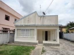 Casa na Rua José Bernardino, Turf Club.