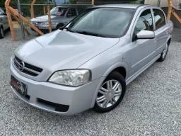 Chevrolet Astra Confort 2.0 Completo Bancos em Couro 2004/2005 - 2005