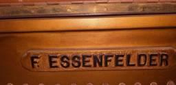 Piano F.ESSENFELD