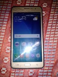 Samsung On 7 trincado mais não interferi em nada funcionando perfeitamente