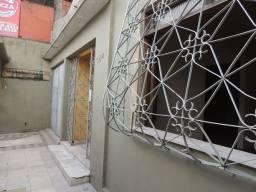 Vendo casa com 4 quartos no B. Fátima