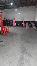 Título do anúncio: Vende Auto Center e Oficina - Completo ou apenas os equipamentos