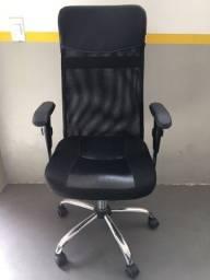 Título do anúncio: Cadeira Presidente Tela Mesh Preta Escritório Giratória Home Office Braços Reguláveis