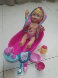 Boneca Little Mommy Brincadeira na banheira